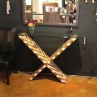 zig zag patterned table